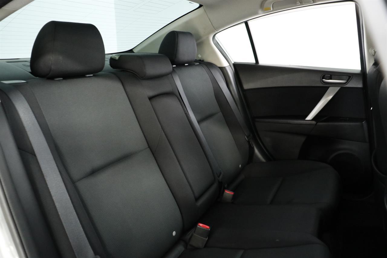 Mazda Axela stock #34131