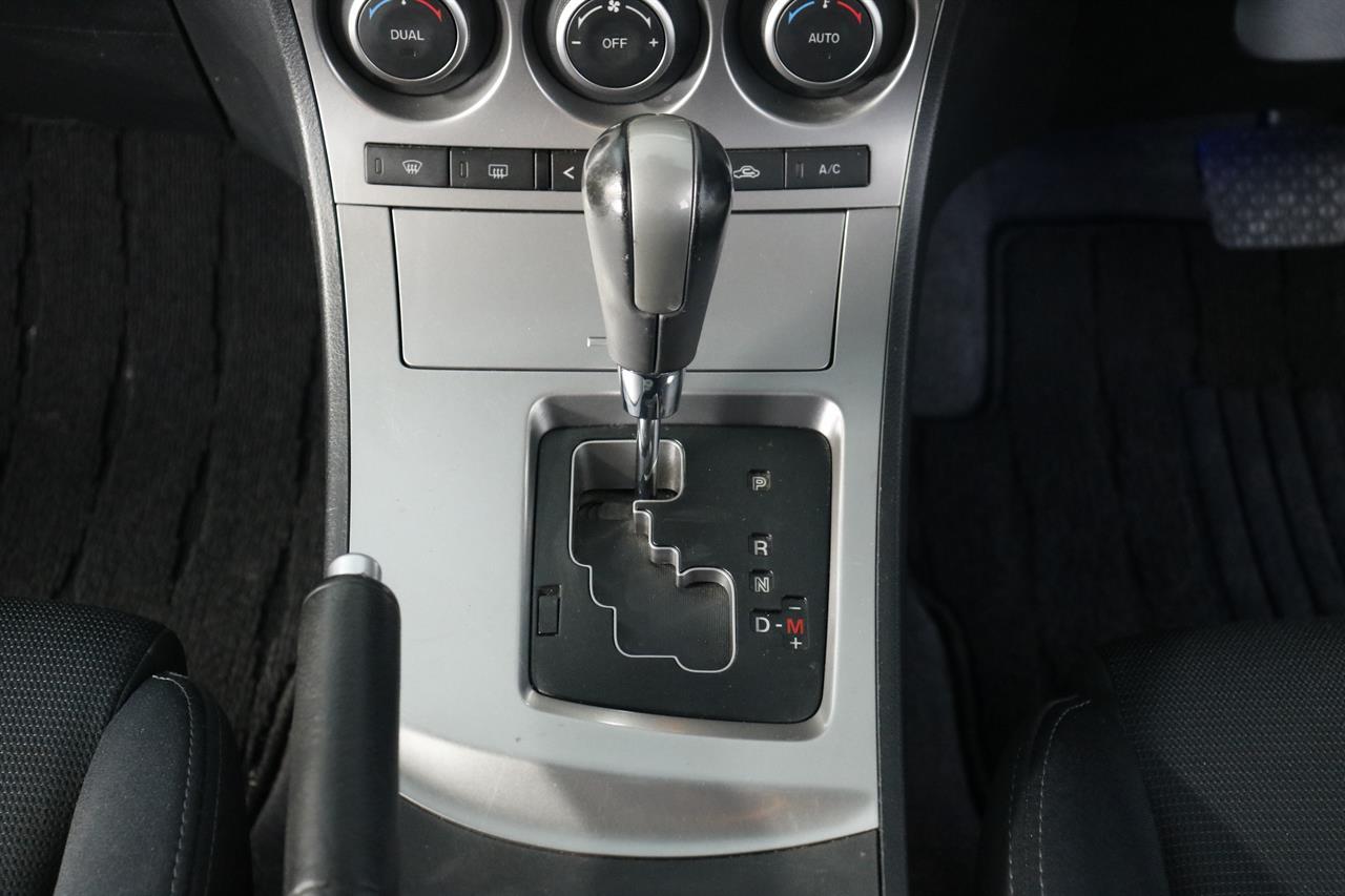 Mazda Axela stock #34157