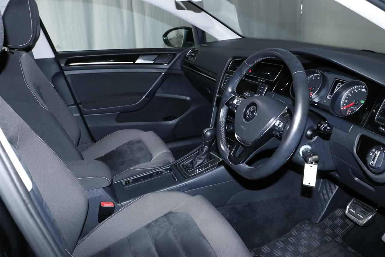 Volkswagen Golf stock #33175