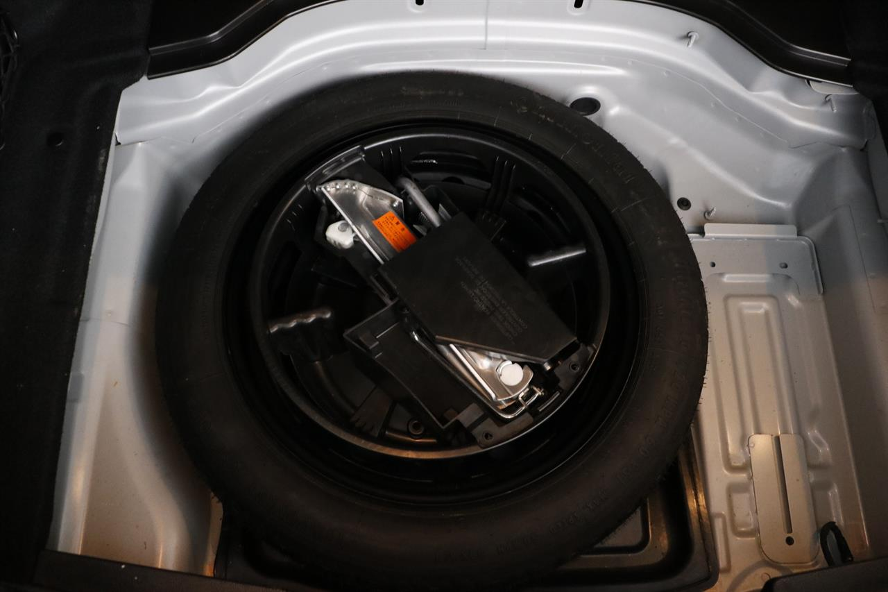 Mercedes Benz C 300 stock #33925