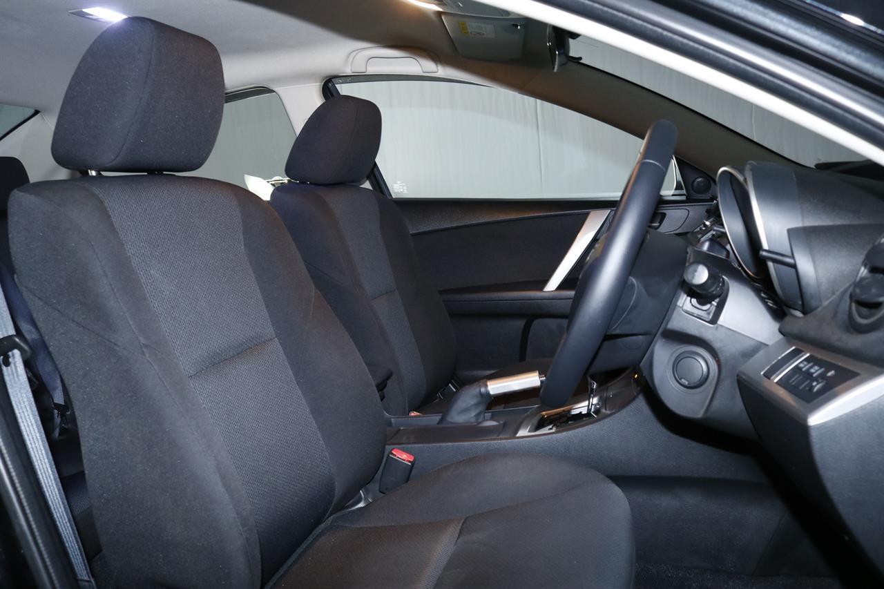 Mazda Axela stock #32289