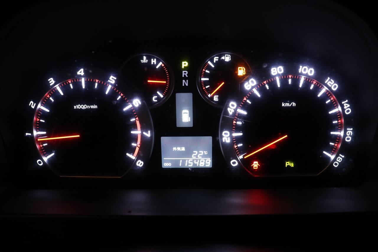 Toyota Alphard stock #32571