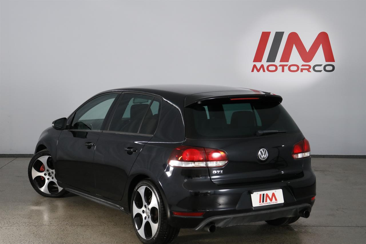 Volkswagen Golf stock #32786