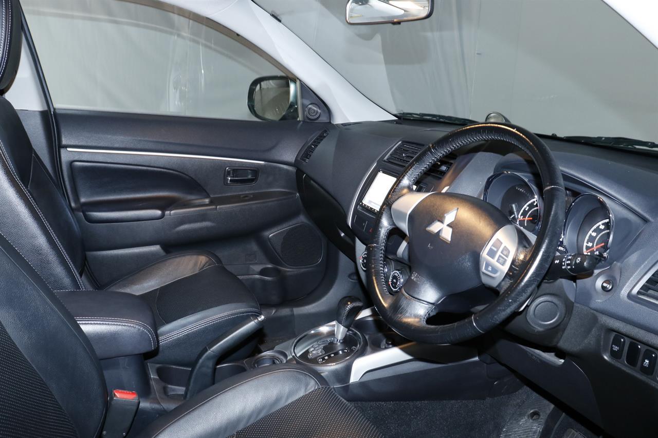 Mitsubishi RVR stock #32655