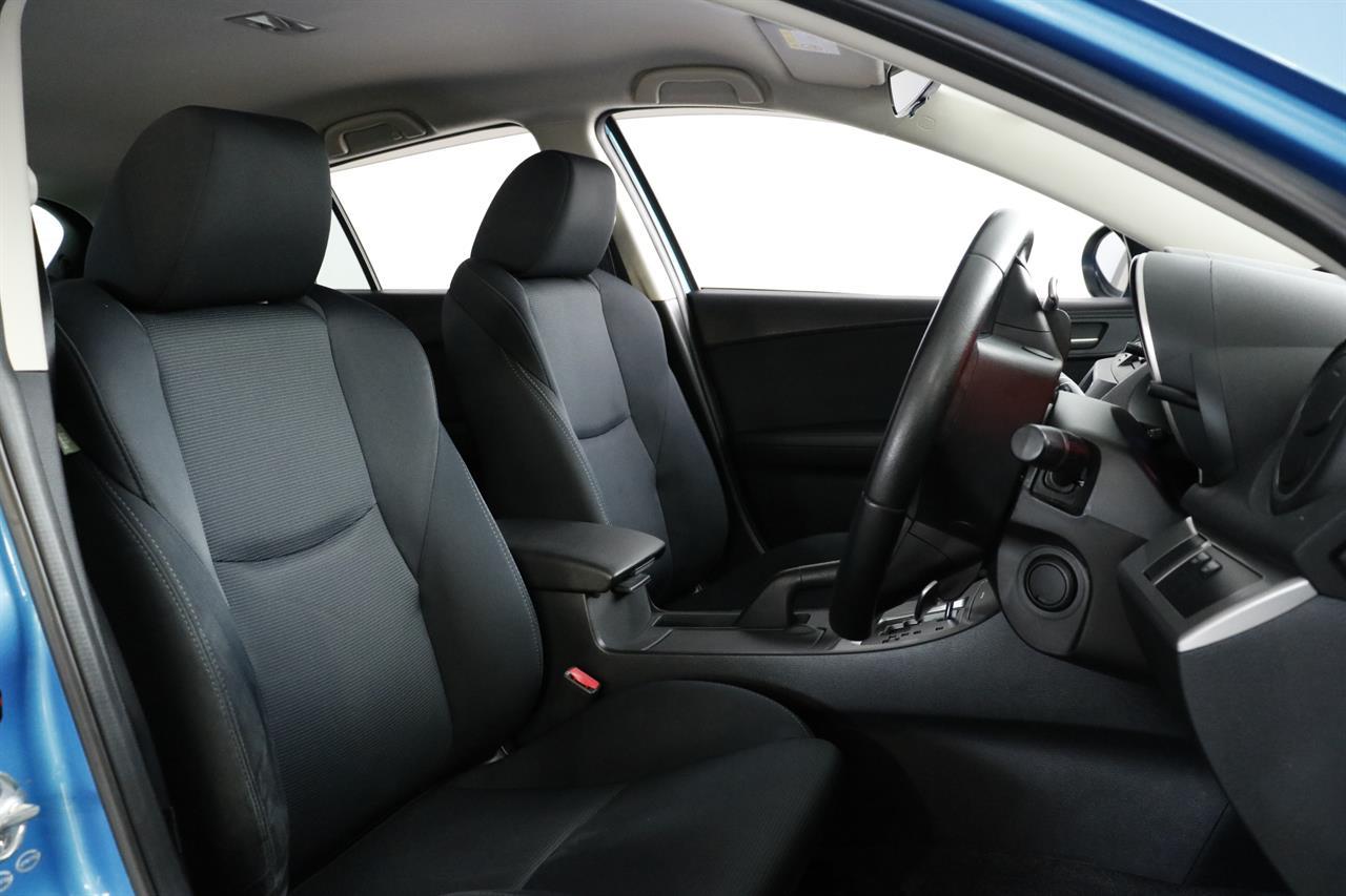 Mazda Axela stock #34145